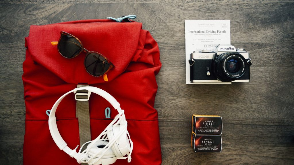 clothes-travel-voyage-backpack