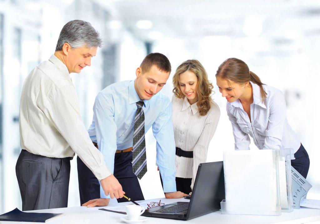 shutterstock_235671145-1024x718 İşe Yeni Başlayacaklara Tavsiyeler