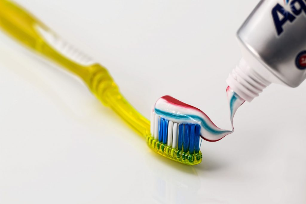toothbrush-toothpaste-dental-care-clean-40798-1-1024x683 Ağız Sağlığını Koruma Yolları