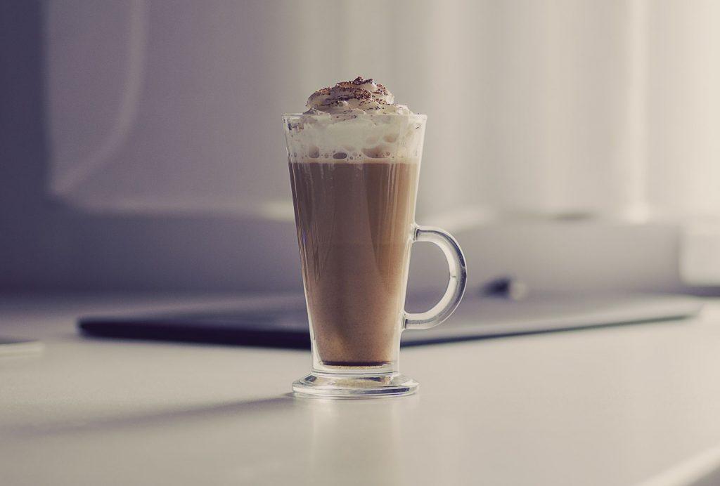 coffee-1024x692 Soğuk Günlerde İçilecek En Lezzetli İçecekler