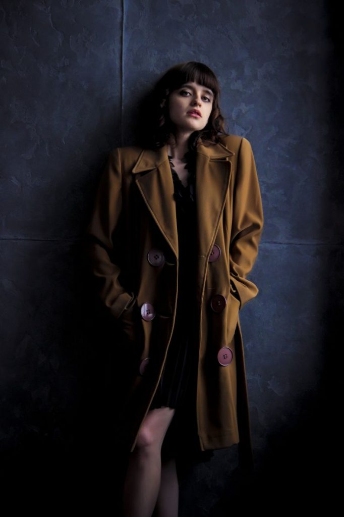 girl-coat-old-coat-brown-coat-158648