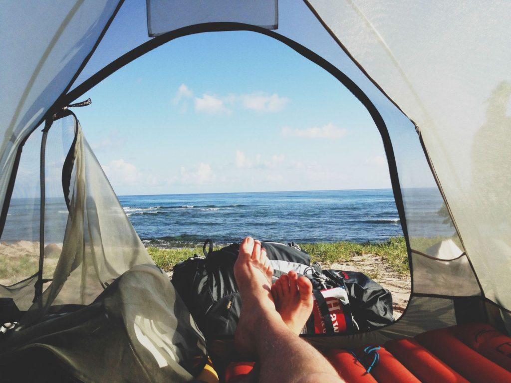 feet-morning-adventure-camping-1024x768 Çeşitli Tatil Önerileri