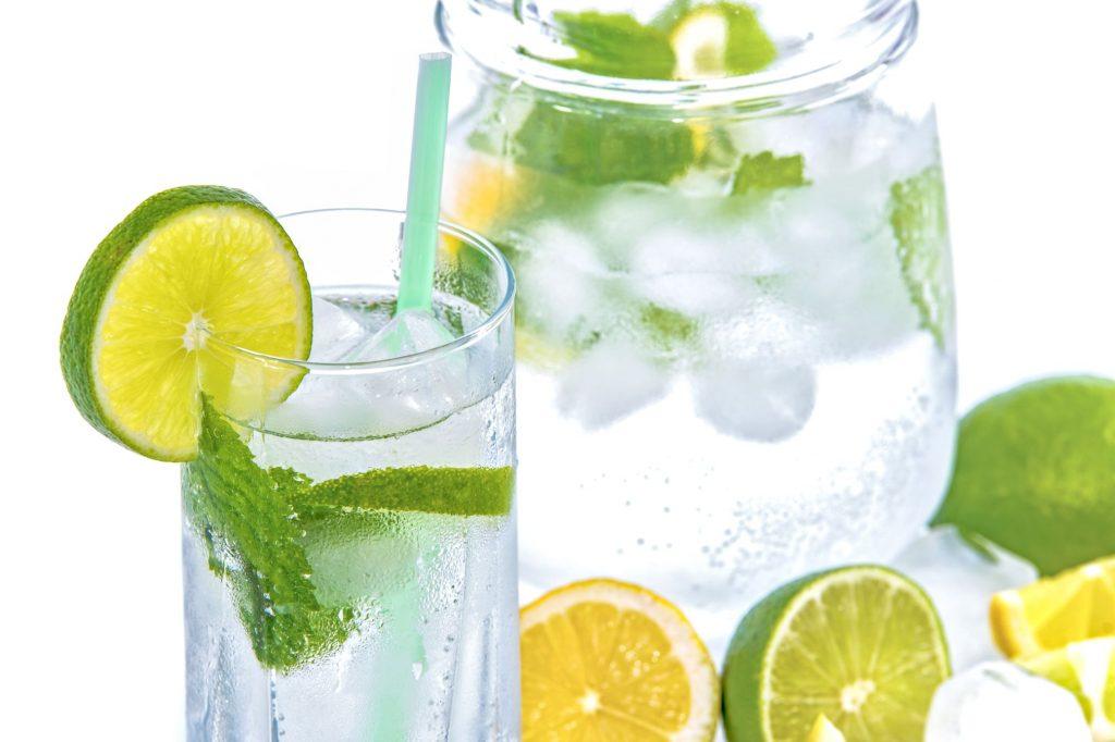 mineral-water-lime-ice-mint-158821-1024x682 Yaz Meviminin Serinleten İçecekleri