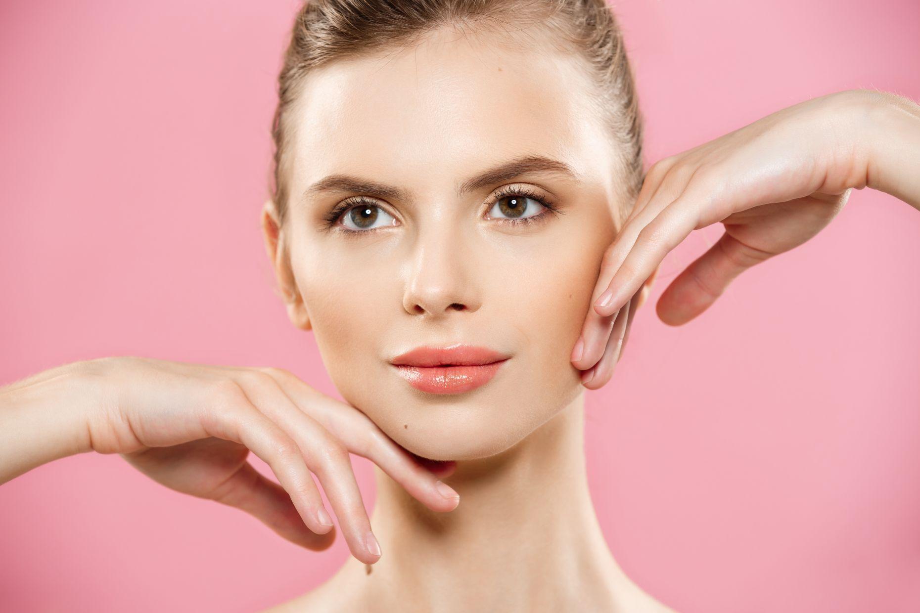 Işıltılı Bir Yüz İçin Makyaj Önerileri Nelerdir