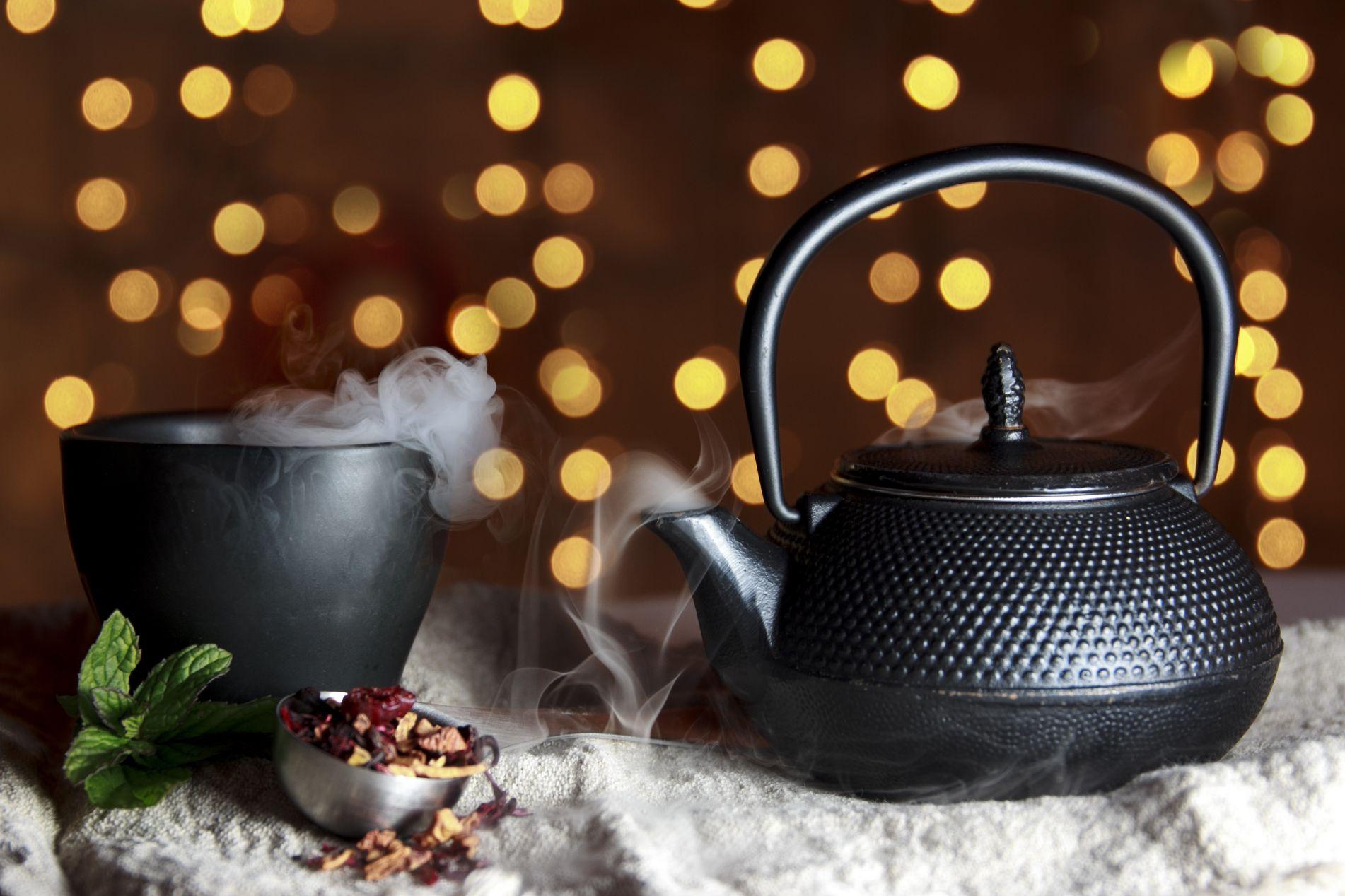 Çaydanlıktaki Kireç Kalıntısına Çözüm
